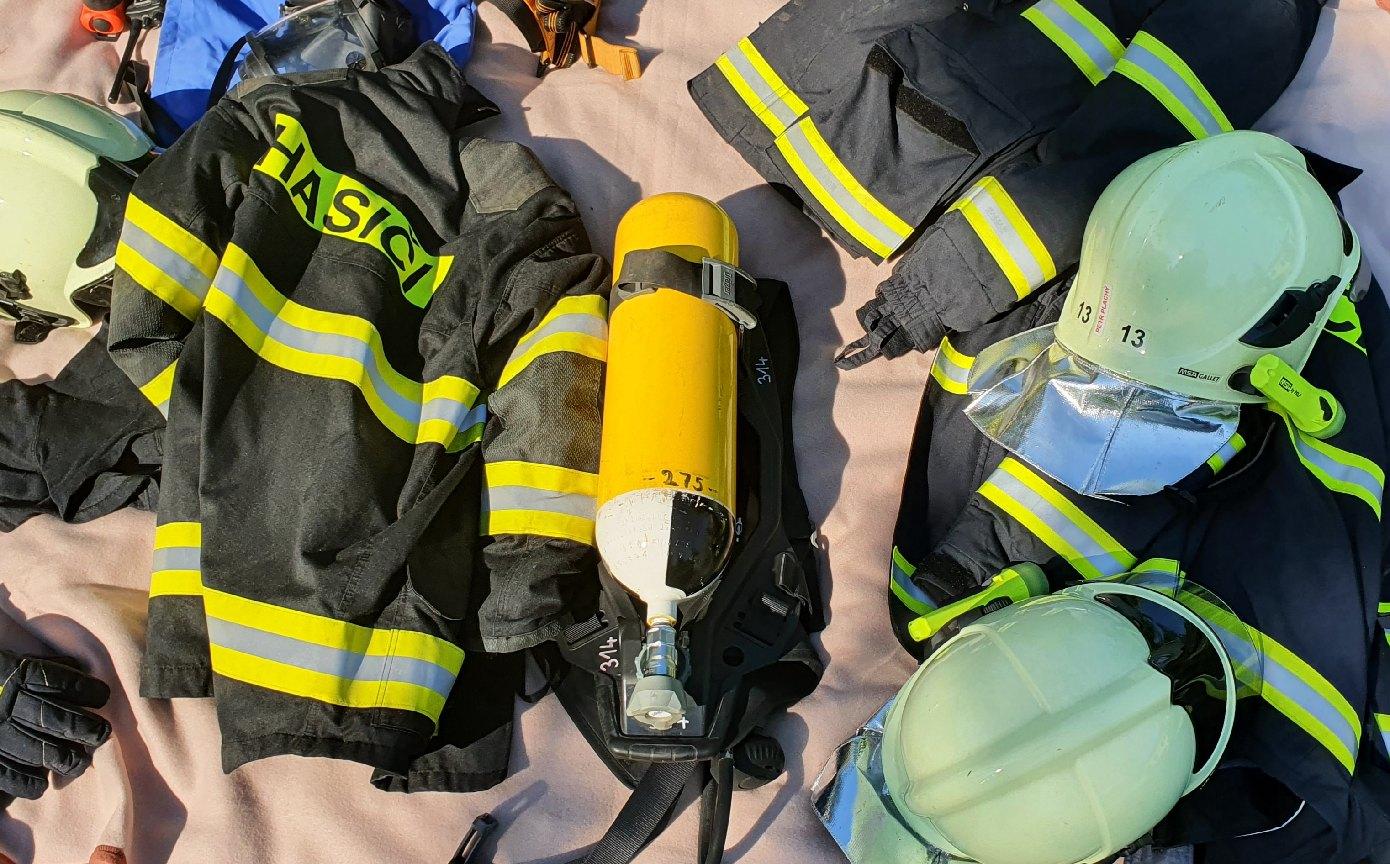 Zdounečtí hasiči dětem
